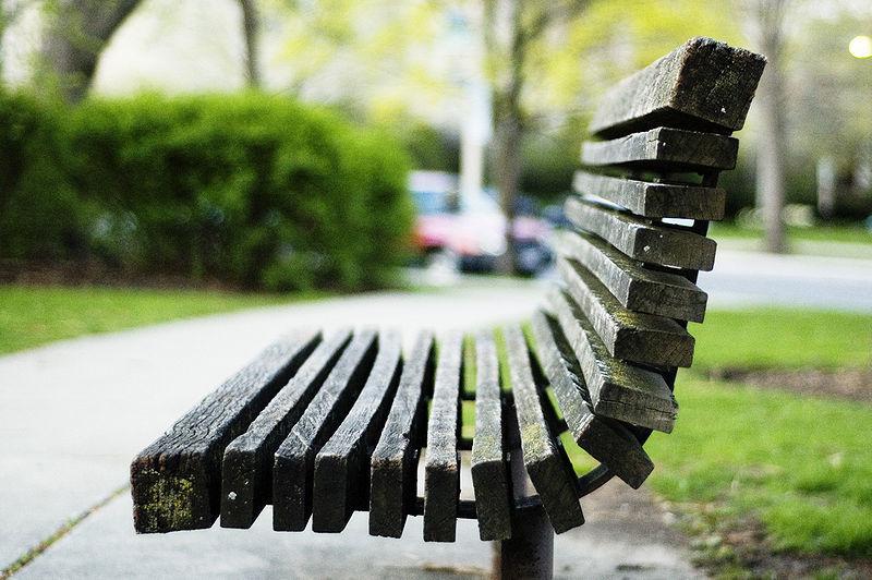 800px-Oak_park_bench